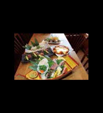 天然真ふぐの刺身が入った刺身5点盛り & 国産霜降り牛のステーキ付き<br /> ふもと赤鶏と北海道産じゃがいも使用のび~るチーズのチーズダッカルビコース