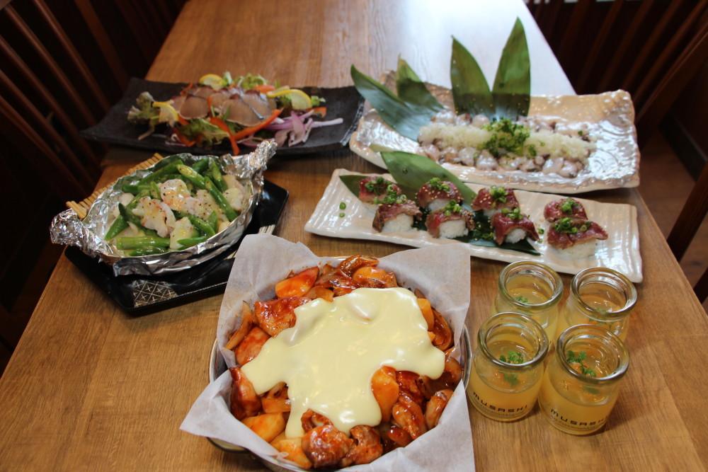 ふもと赤鶏と北海道産じゃがいも使用のび~るチーズのチーズダッカルビコース